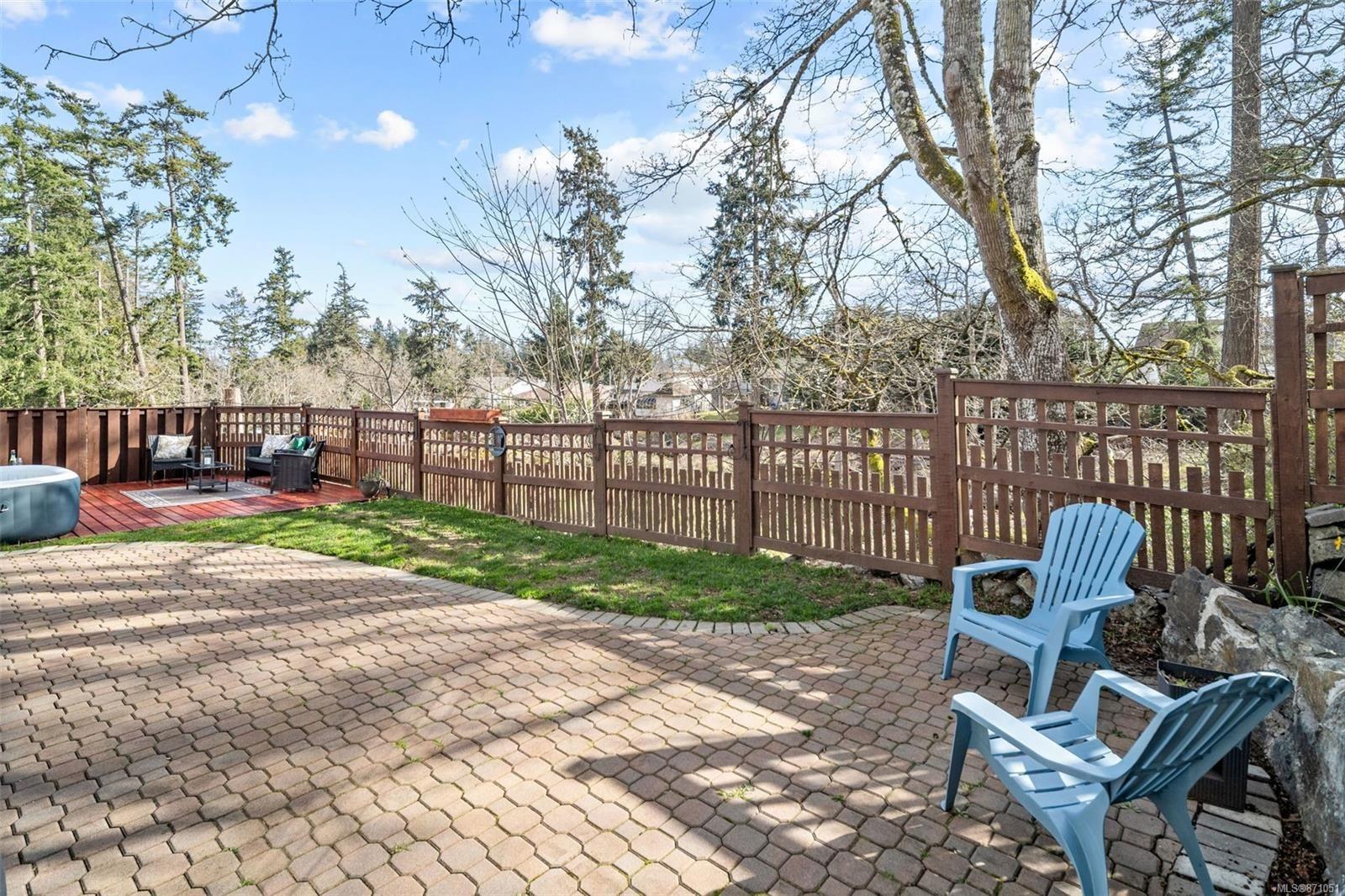 Photo 31: Photos: 521 Selwyn Oaks Pl in : La Mill Hill House for sale (Langford)  : MLS®# 871051