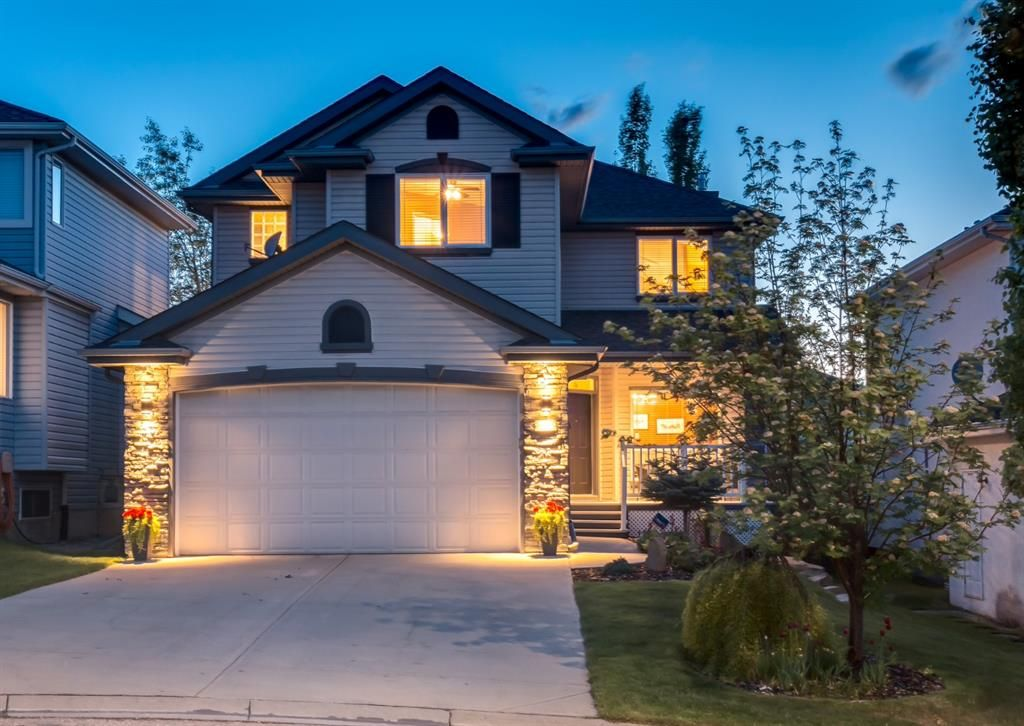 Main Photo: 35 VALLEY CREEK Bay NW in Calgary: Valley Ridge Detached for sale : MLS®# A1119057