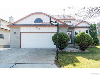 Photo 1: 22 Strewchuk Bay in Winnipeg: Seven Oaks Crossings Residential for sale (4H)  : MLS®# 1627610