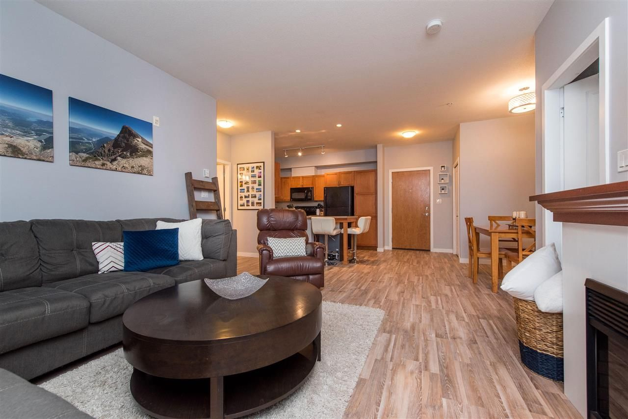 """Photo 13: Photos: 309 33318 E BOURQUIN Crescent in Abbotsford: Central Abbotsford Condo for sale in """"NATURES GATE"""" : MLS®# R2530844"""