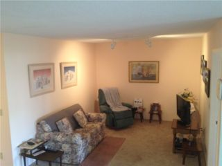 "Photo 2: 504 1050 BOWRON Court in North Vancouver: Roche Point Condo for sale in ""PARKWAY TERRACE"" : MLS®# V968427"
