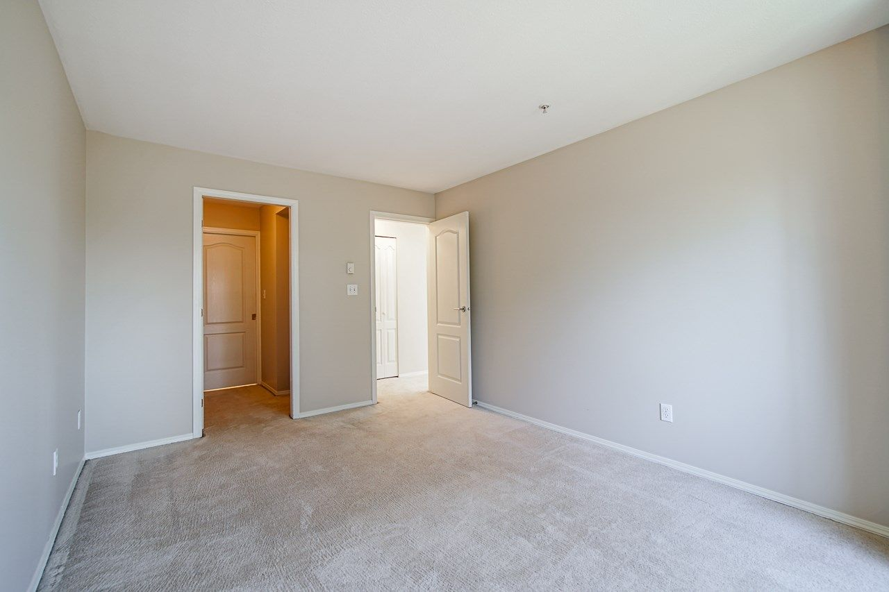 Photo 26: Photos: 306 2962 TRETHEWEY STREET in Abbotsford: Abbotsford West Condo for sale : MLS®# R2470028