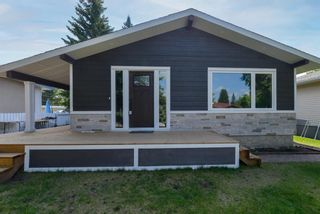Main Photo: 5132 48 Street NW in Calgary: Varsity Detached for sale : MLS®# A1125046