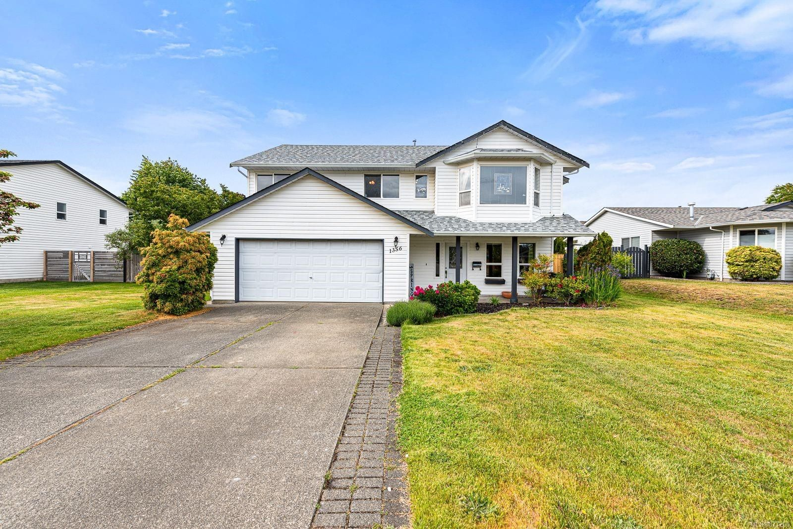 Main Photo: 1356 Ocean View Ave in : CV Comox (Town of) House for sale (Comox Valley)  : MLS®# 877200