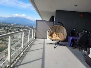 """Photo 4: 4207 1955 ALPHA Way in Burnaby: Brentwood Park Condo for sale in """"The Amazing Brentwood 2"""" (Burnaby North)  : MLS®# R2612060"""