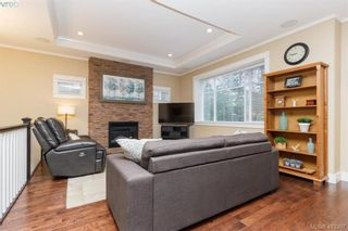 Photo 5: 2083 Longspur Dr in VICTORIA: La Bear Mountain House for sale (Langford)  : MLS®# 819774