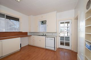 Photo 11: 3191 East 6th Avenue in Vancouver: Home for sale : MLS®# V1054407