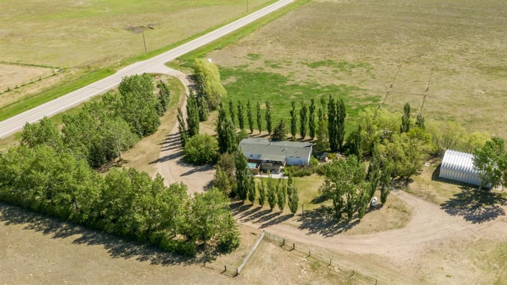 Main Photo: 242031   232 Township Road NE in Rural Wheatland County: House for sale : MLS®# A1061769
