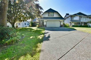 Photo 1: 5865 169 Street in Surrey: Cloverdale BC House for sale (Cloverdale)  : MLS®# R2388801