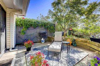 """Photo 1: 5 2150 SE MARINE Drive in Vancouver: Fraserview VE Townhouse for sale in """"Leslie Terrace"""" (Vancouver East)  : MLS®# R2206257"""