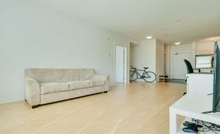 """Photo 15: 315 33538 MARSHALL Road in Abbotsford: Central Abbotsford Condo for sale in """"The Crossing"""" : MLS®# R2569081"""