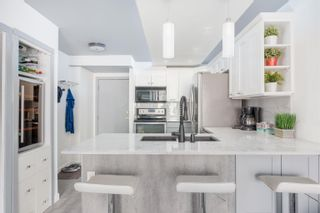 """Photo 3: 1603 939 HOMER Street in Vancouver: Yaletown Condo for sale in """"The Pinnacle"""" (Vancouver West)  : MLS®# R2620310"""