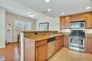 Photo 5: PACIFIC BEACH Condo for sale : 2 bedrooms : 1605 Emerald St in San Diego