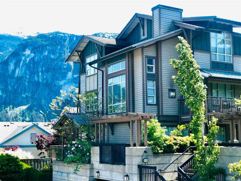 FEATURED LISTING: 201 - 1174 WINGTIP Place Squamish