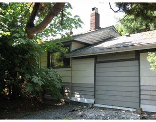 Photo 1: 1425 MOUNTAIN Highway in North Vancouver: Westlynn House for sale : MLS®# V780362