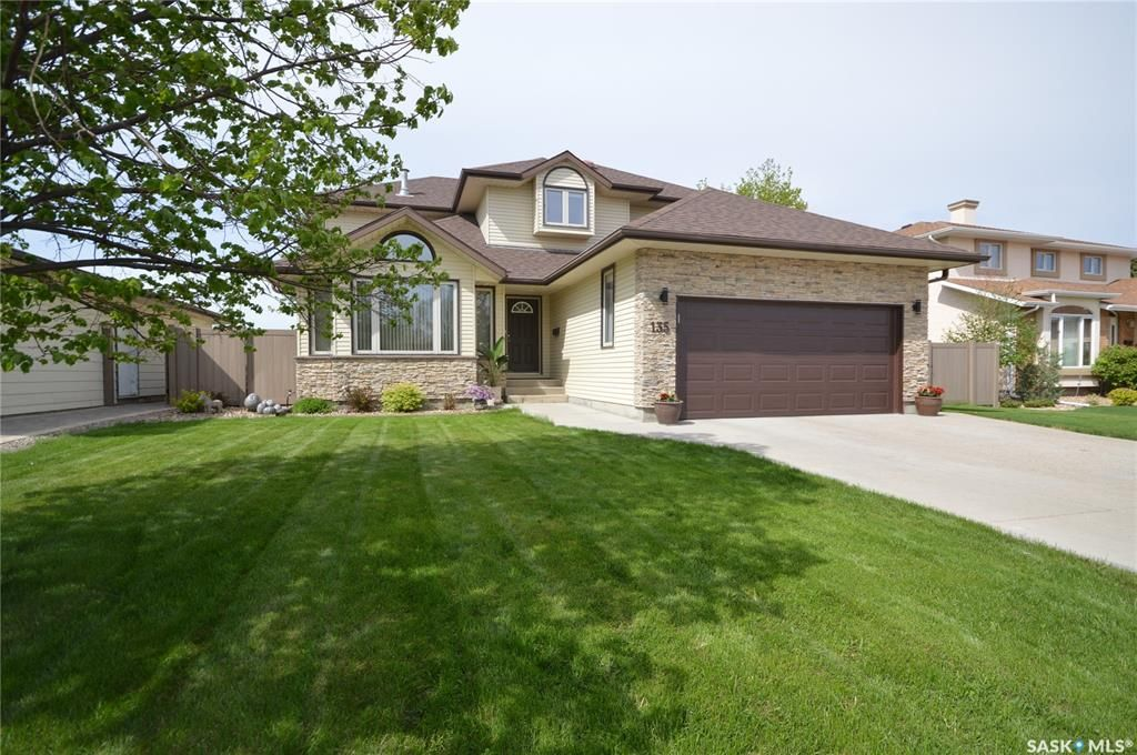 Main Photo: 135 Calypso Drive in Moose Jaw: VLA/Sunningdale Residential for sale : MLS®# SK865192