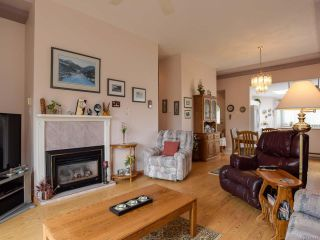 Photo 3: 27 677 BUNTING PLACE in COMOX: CV Comox (Town of) Row/Townhouse for sale (Comox Valley)  : MLS®# 791873