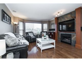 """Photo 3: 22172 46 Avenue in Langley: Murrayville House for sale in """"Murrayville"""" : MLS®# R2451632"""