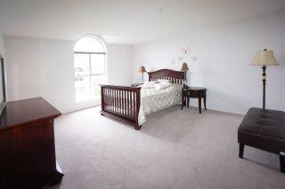 Photo 8: 305 7161 121 Street in Surrey: West Newton Condo for sale : MLS®# R2352548
