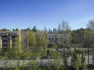 """Photo 16: 24 1345 W 4TH Avenue in Vancouver: False Creek Townhouse for sale in """"Granville Island Village"""" (Vancouver West)  : MLS®# R2564890"""