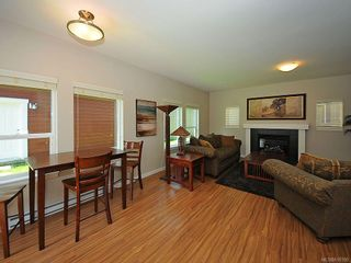 Photo 3: 3392 Merlin Rd in Langford: La Luxton House for sale : MLS®# 616100