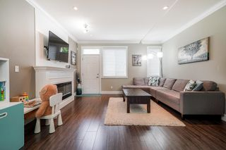 """Photo 3: 14 13670 62 Avenue in Surrey: Sullivan Station Townhouse for sale in """"Panorama 62"""" : MLS®# R2625078"""