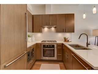 "Photo 3: 300 2432 HAYWOOD Avenue in West Vancouver: Dundarave Condo for sale in ""THE HAYWOOD"" : MLS®# V1110877"