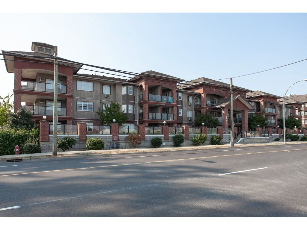 """Main Photo: 105 19774 56 Avenue in Langley: Langley City Condo for sale in """"Madison Station"""" : MLS®# R2328196"""