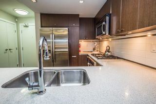 """Photo 8: 308 2940 KING GEORGE Boulevard in Surrey: King George Corridor Condo for sale in """"High Street"""" (South Surrey White Rock)  : MLS®# R2229056"""