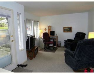 """Photo 2: 46 21848 50TH Avenue in Langley: Murrayville Townhouse for sale in """"CEDAR COURT"""" : MLS®# F2907281"""