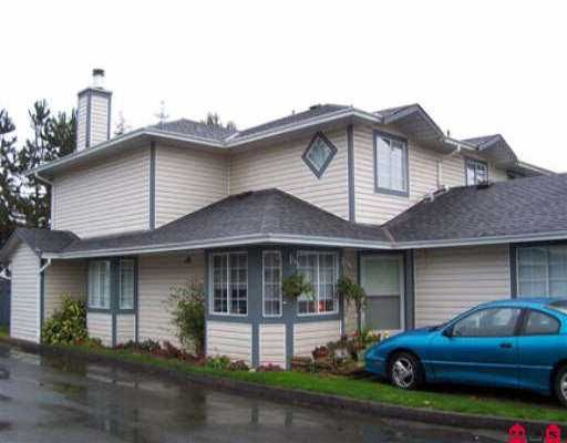 """Main Photo: 104 5360 201ST ST in Langley: Langley City Townhouse for sale in """"Garden Grove"""" : MLS®# F2523511"""
