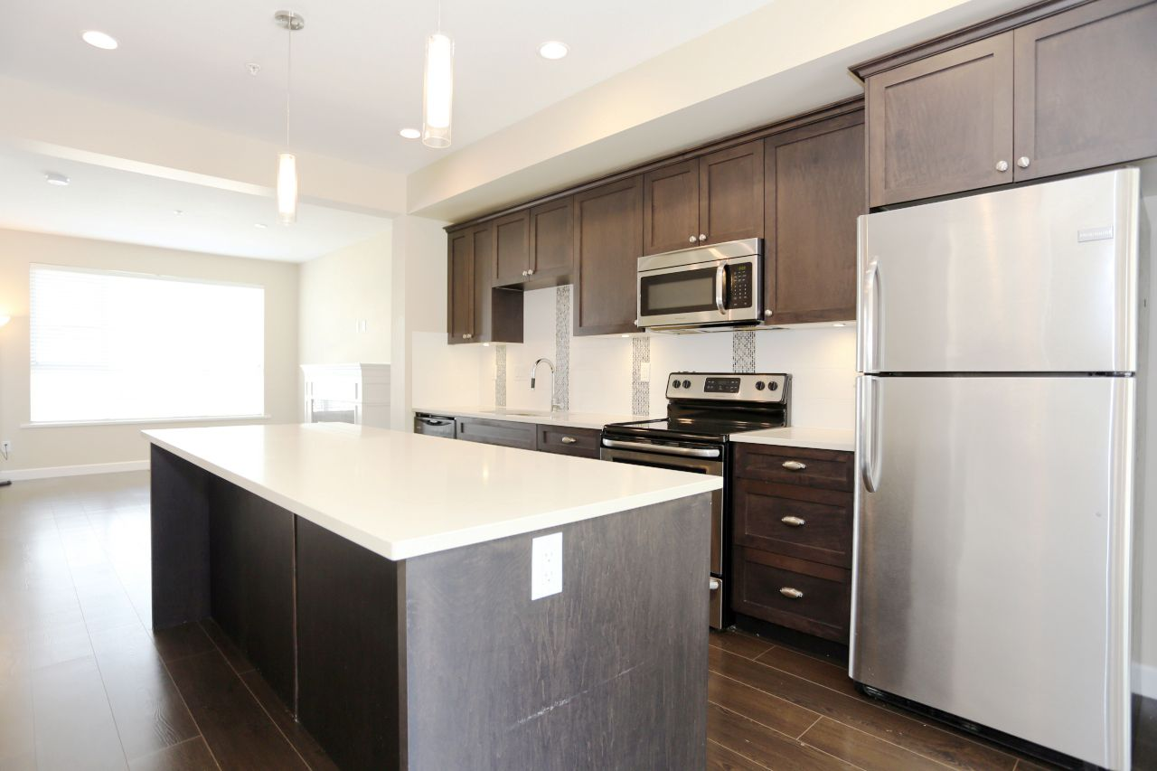 """Photo 7: Photos: 44 7059 210 Street in Langley: Willoughby Heights Townhouse for sale in """"Alder"""" : MLS®# R2263241"""