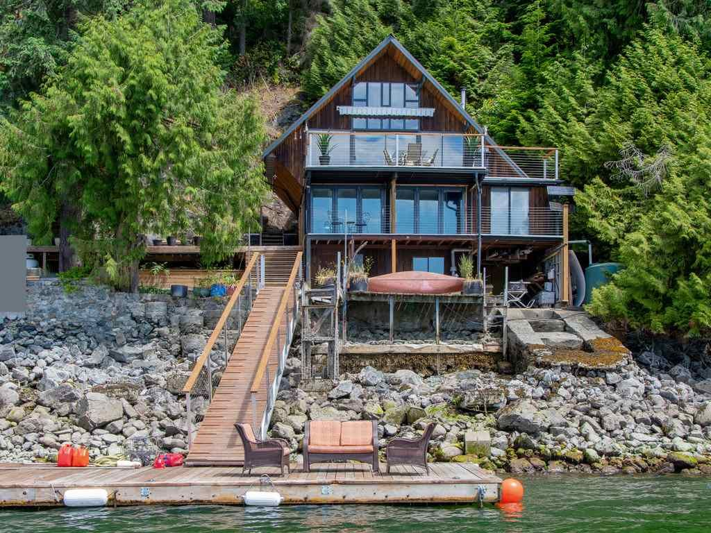 "Main Photo: 1 COSY Cove in North Vancouver: Indian Arm House for sale in ""Cosy COve"" : MLS®# R2381296"