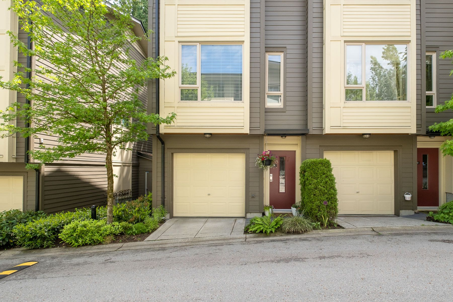 """Photo 23: Photos: 28 9229 UNIVERSITY Crescent in Burnaby: Simon Fraser Univer. Townhouse for sale in """"SERENITY"""" (Burnaby North)  : MLS®# R2589602"""