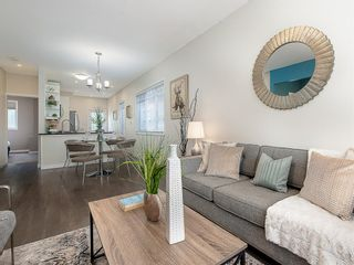 Photo 5: 227 14 Avenue NE in Calgary: Crescent Heights Detached for sale : MLS®# A1019508