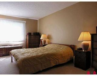 """Photo 5: 317 13507 96TH AV in Surrey: Whalley Condo for sale in """"Parkwoods"""" (North Surrey)  : MLS®# F2618545"""