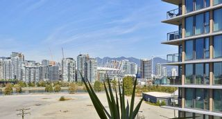 """Photo 6: 805 1833 CROWE Street in Vancouver: False Creek Condo for sale in """"THE FOUNDRY"""" (Vancouver West)  : MLS®# R2120097"""