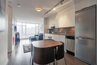 """Photo 3: 1106 161 W GEORGIA Street in Vancouver: Downtown VW Condo for sale in """"Cosmo"""" (Vancouver West)  : MLS®# R2618756"""