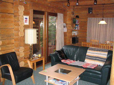 Photo 7: Photos: Cozy Log Cabin in the Heart of Whistler