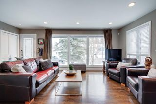 Photo 3: 5404 La Salle Crescent SW in Calgary: Lakeview Detached for sale : MLS®# A1086620