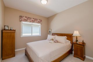 """Photo 14: 15 1881 144 Street in Surrey: Sunnyside Park Surrey Townhouse for sale in """"BRAMBLEY HEDGE"""" (South Surrey White Rock)  : MLS®# R2384004"""
