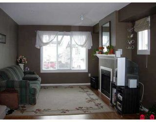 Photo 2: 20540 66TH Ave in Langley: Willoughby Heights Townhouse for sale : MLS®# F2702768