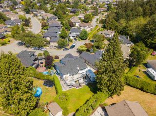 """Photo 11: 5785 190 Street in Surrey: Cloverdale BC House for sale in """"ROSEWOOD"""" (Cloverdale)  : MLS®# R2559609"""