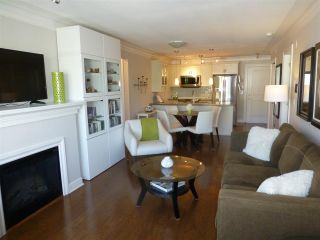 "Photo 5: PH1 15357 ROPER Avenue: White Rock Condo for sale in ""REGENCY COURT"" (South Surrey White Rock)  : MLS®# R2366070"
