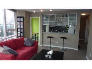 """Photo 3: 802 939 EXPO Boulevard in Vancouver: Downtown VW Condo for sale in """"Max II"""" (Vancouver West)  : MLS®# V877511"""