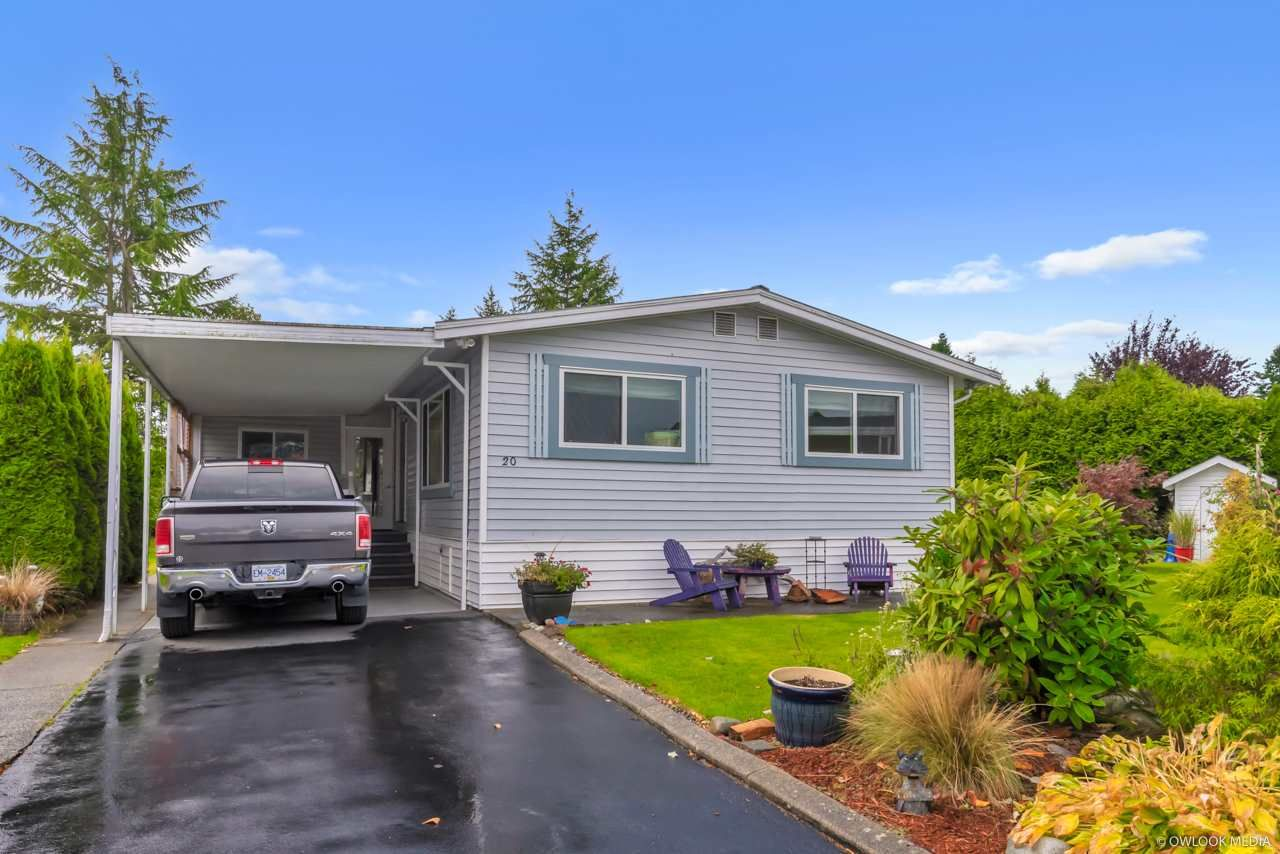 "Main Photo: 20 2303 CRANLEY Drive in Surrey: King George Corridor Manufactured Home for sale in ""Sunnyside Estates"" (South Surrey White Rock)  : MLS®# R2413496"
