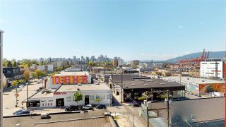 """Photo 3: 701 933 E HASTINGS Street in Vancouver: Strathcona Condo for sale in """"STRATHCONA VILLAGE-BALLANTYNE"""" (Vancouver East)  : MLS®# R2368592"""