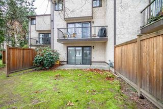 """Photo 18: 7 33361 WREN Crescent in Abbotsford: Central Abbotsford Townhouse for sale in """"SHERWOOD HILLS"""" : MLS®# R2044649"""