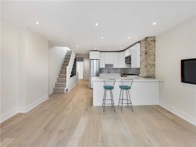 Photo 8: Photos: 601 C Pape Avenue in Toronto: South Riverdale House (2 1/2 Storey) for lease (Toronto E01)  : MLS®# E4139176