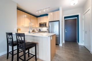 """Photo 5: 705 2789 SHAUGHNESSY Street in Port Coquitlam: Central Pt Coquitlam Condo for sale in """"The Shaughnessy"""" : MLS®# R2207238"""